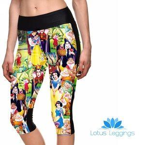 Pants - NWT Disney Snow White legging capris